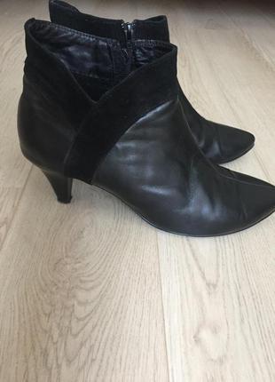 Демисезонные ботинки на каблуке5