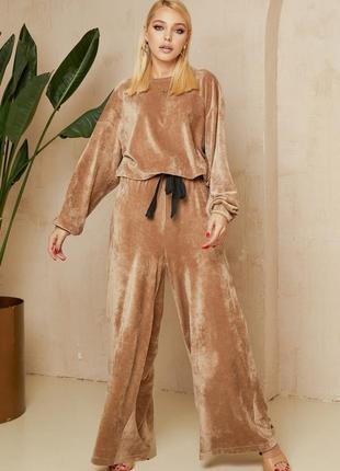 Плюшевий костюм двійка: штани та світшот в кольорі латте vonavin