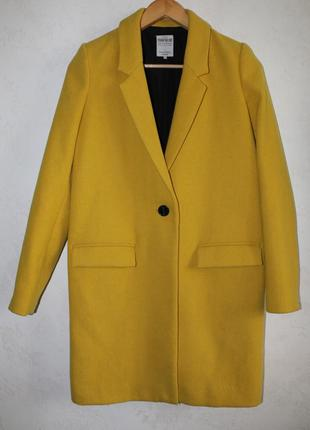 Zara шерстяное пальто песочного цвета