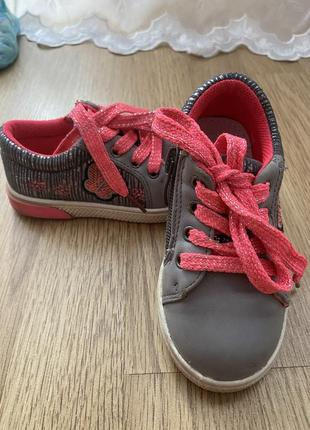 Кроссовки, ботиночки clibee