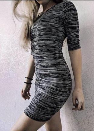 Платье bershka новое с биркой размер xs