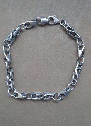 Красивый стильный брасоет,винтаж 925 серебро