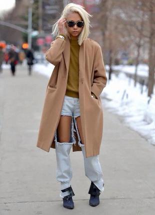 Бежевое пальто-кокон оверсайз oversize бойфренд от atmosphere, меховой воротник