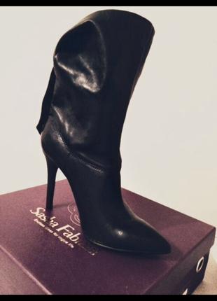 Кожаные новые ботинки sashafabiani