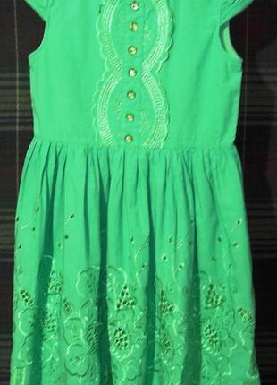 Праздничное легкое батистовое платье разм. 134 (на 9-11 лет)