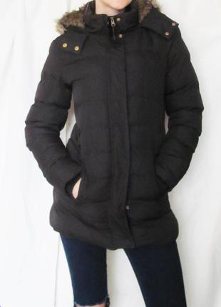 Демисезонное пальто с капюшоном.