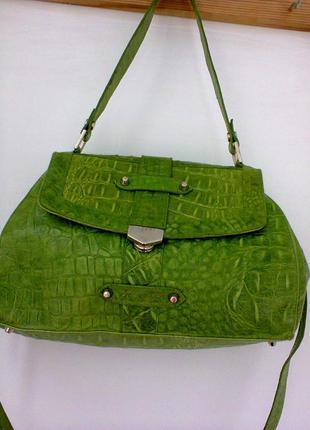 Сумка  -портфель  из  натуральной  кожи  c  тиснением под  крокодил apart.