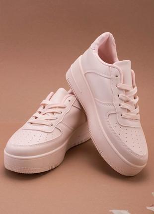 Женские светло-розовые кроссовки