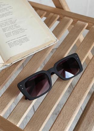 Очки солнцезащитные матовые прямоугольные черные