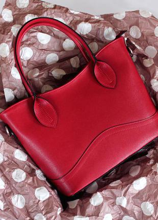 Красная итальянская кожаная сумка в деловом стиле, италия