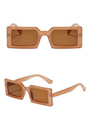 Тренд очки прямоугольные солнцезащитные светлые узкие ретро карамель окуляри