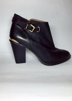 Кожаные ботильоны ,ботинки с золотой фурнитурой,(сапоги) кожа 100%,reserved