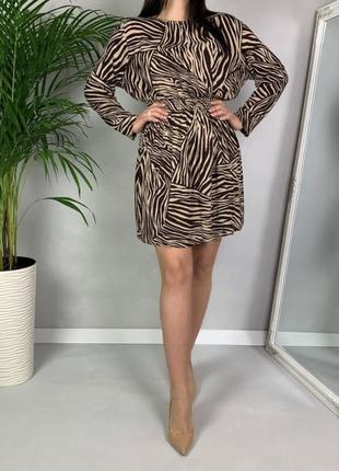 Стильное платье в принт от h&m