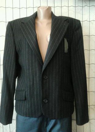 Пиджак burton необычный крой.