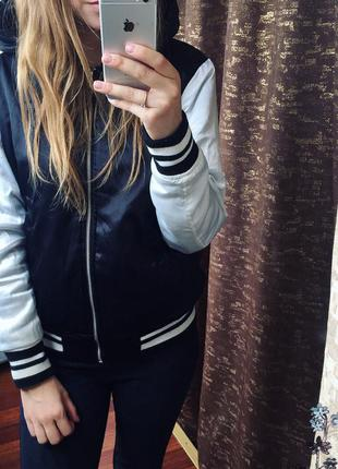 Крутая двусторонняя курточка