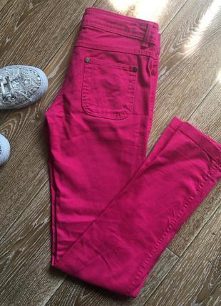 Розовые джинсы от denim co