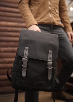 Качественный городской рюкзак с ремешками черный
