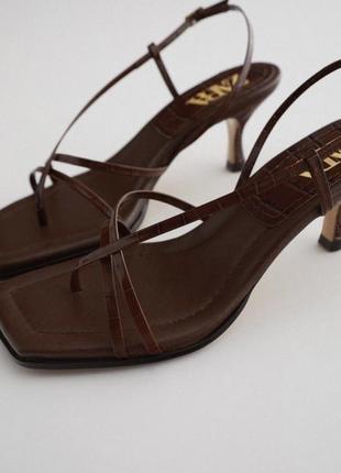 Zara кожаные босоножки с ремешками, мюли, шлепки, туфли