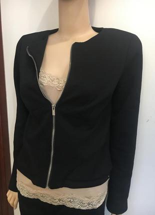 Трикотажный стильный пиджак