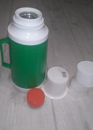 Термос исток вместимость 1 л, колба стекло, зелёный корпус