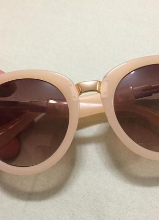 Zara бежевые солнцезащитные очки