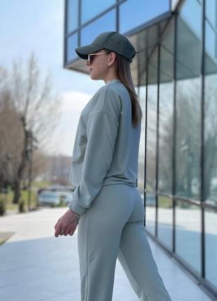 Спортивний костюм оливковий
