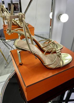 Шикарные туфли босоножки металлик кожа в стиле bottega
