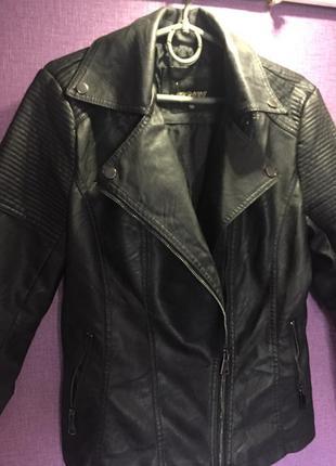 Косуха кожаная куртка экокожа черная с воротником