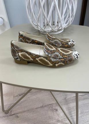 Шкіряні лофери туфлі закриті кожаные лоферы закрытые туфли питон