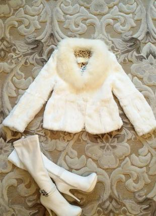 Роскошная шубка белого цвета песец кролик,автоледи,сапоги в подарок