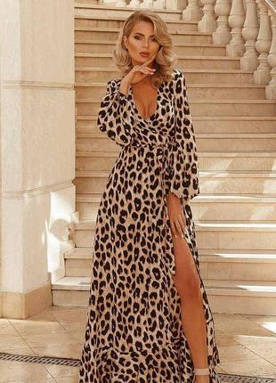 Платье-макси на запах леопард