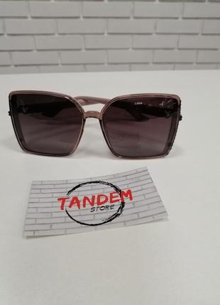 Женские солнцезащитные очки пудровые с камнями
