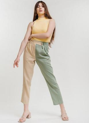 Укороченные льняные брюки двухцветные беж с оливковым