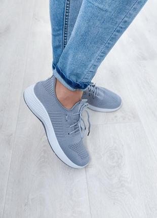 Женские симпатичные кроссовки