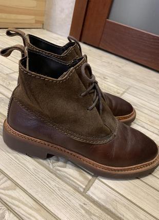 Ботинки из натуральной кожи бренда clark's. размер 37,5-38.