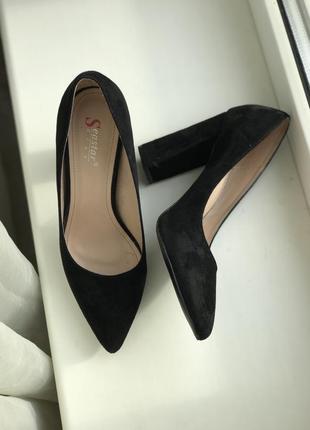 Туфли натуральный замш 39р