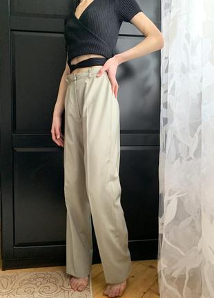 Класичні жіночі брюки зі стрілками розмір s, бежеві штани