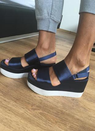 Летние сандали на платформе zara