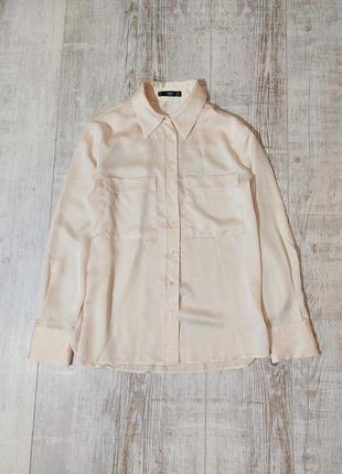 Шелковая бежевая рубашка с накладными карманами