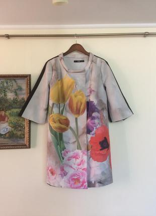 Красивое пальто в цветах / размер 40