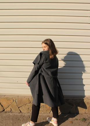 Весенние серое пальто