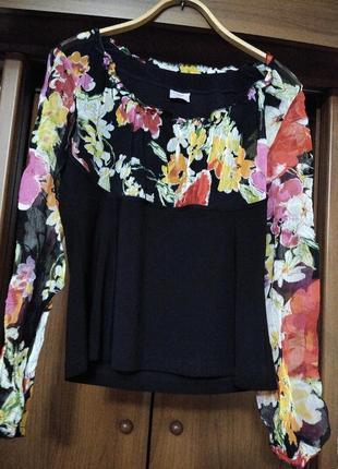 Эффектная блуза с шифоновыми рукавами