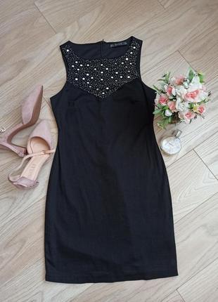 Черное короткое платье с расшитым верхом, s-m