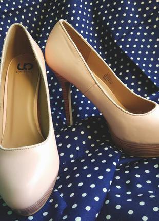 Туфли пудрово розового цвета