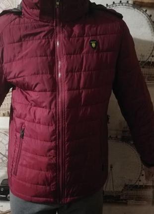 Куртка вишневая для парня 14-15 лет.   размер l