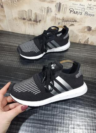 Кроссовки adidas originals swift run c