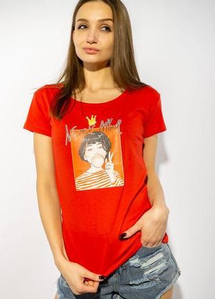 Красная женская футболка с фотопринтом