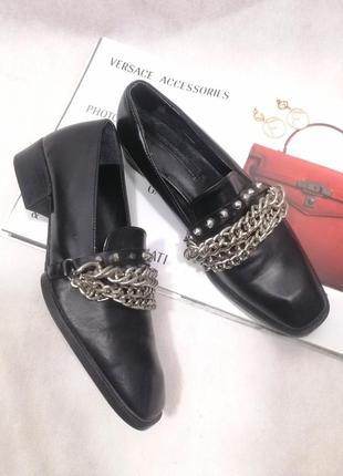 Zara туфли лоферы черные кожаные цепи шипы