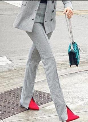 Трендовые  брюки zara в гусиную лапку c разрезами, 33 % вискозы