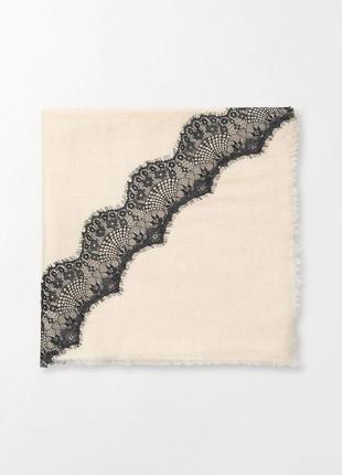 Фирменный большой шерстяной молочный серый шарф платок с кружевом beck sondergaard дания